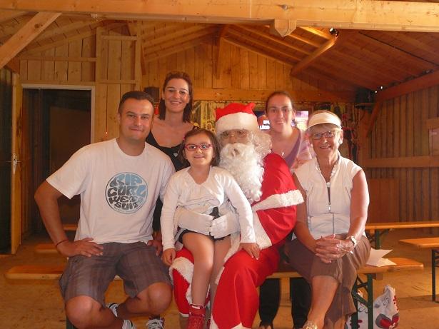 Margot et le Père Noël photo de groupe